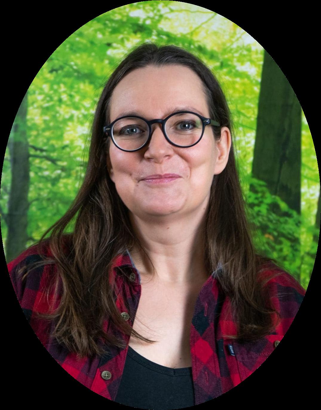 Nadine Heßler, Tierheilpraxis Oberhessen, Dorn-Osteopathie-Therapeutin, Tierheilpraktikerin, Ernährungsberaterin